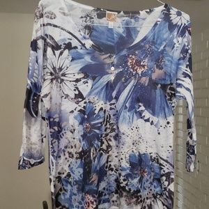 3/4 Sleeve Flower Print Shirt w Bedazzles